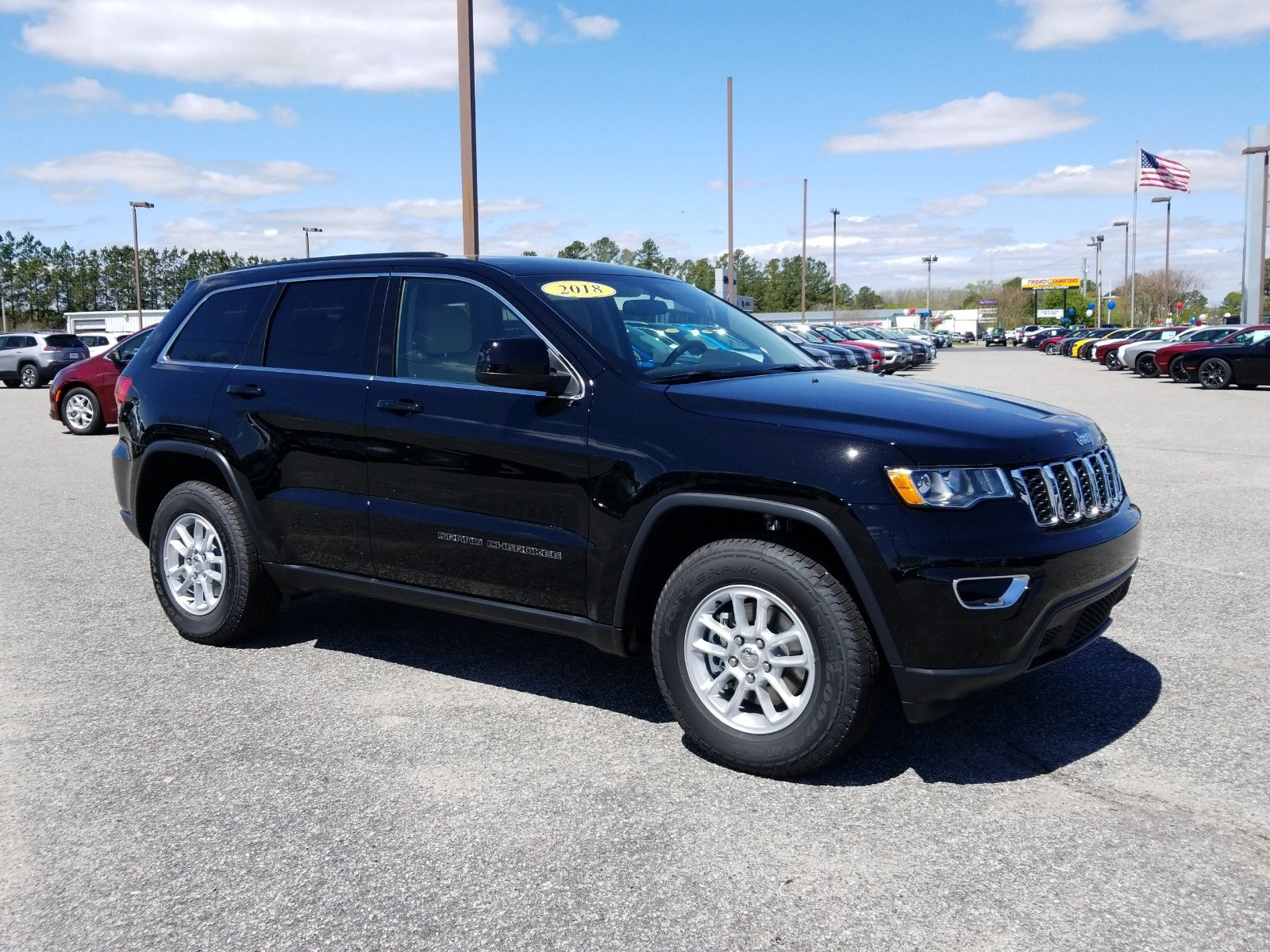 2018 Jeep Grand Cherokee >> Pre Owned 2018 Jeep Grand Cherokee Laredo Rwd Sport Utility