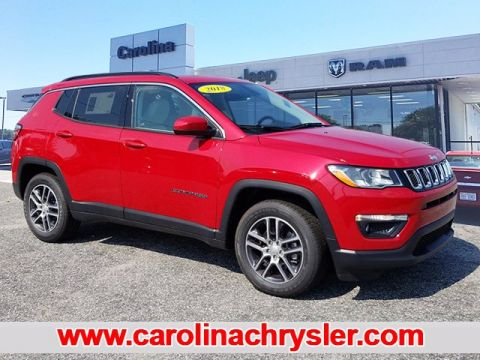 New 2018 JEEP Compass Latitude w/Sun/Wheel Pkg